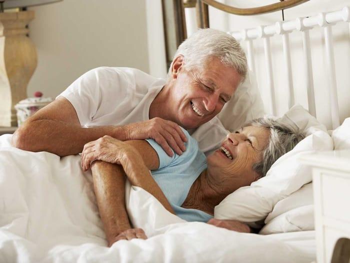 Faire l'amour après 60 ans : la sexualité de l'expérience