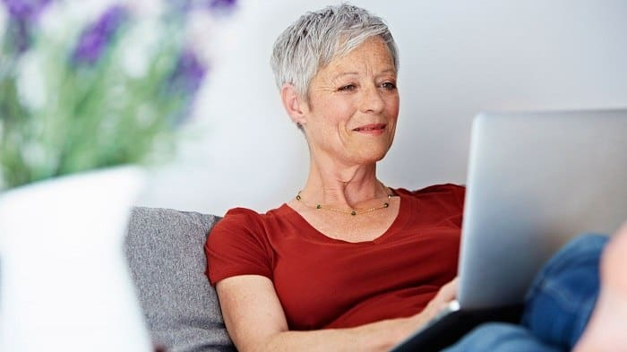 Les sites pour les plus de 50 ans à choisir