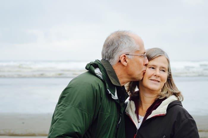 Couple de seniors rencontrés sur un site