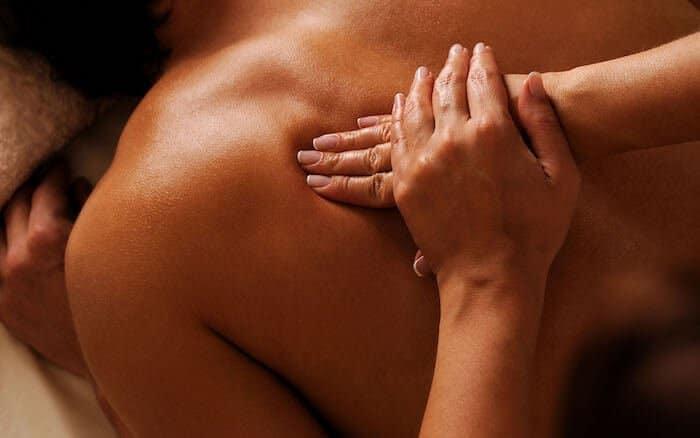 Comment faire un massage coquin et érotique ?